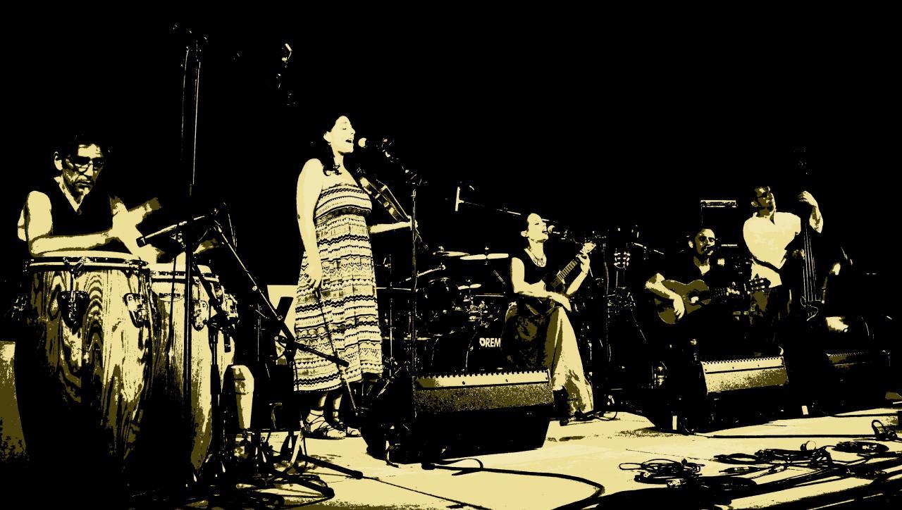 """Adentro au festival """"Les nuits Couleurs"""" 2013"""